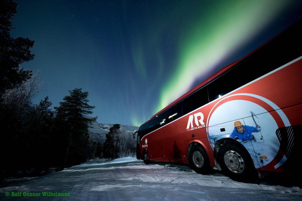 TAR-buss-med-nordlys-2